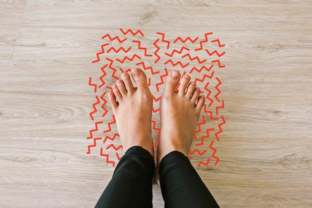 3 triệu chứng bất thường ở đôi chân giúp bạn tiên tri nguy cơ mắc bệnh ung thư cổ tử cung từ sớm - Ảnh 2.