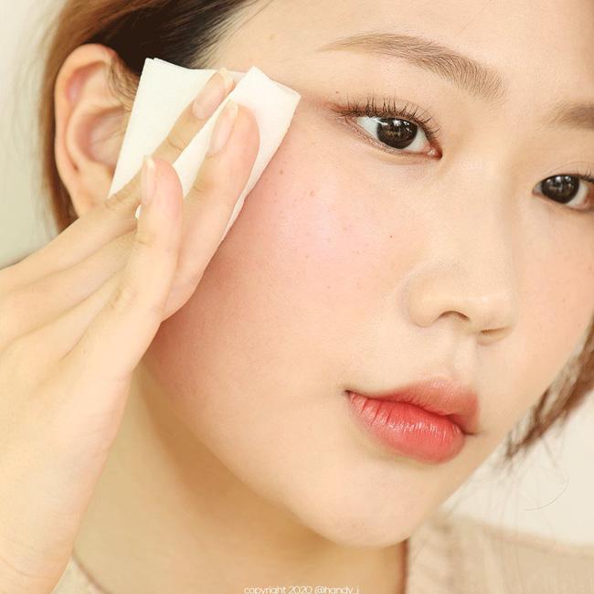 4 dấu hiệu cho thấy bạn rửa mặt chưa đủ sạch, không chấn chỉnh ngay thì da sẽ mãi xấu - Ảnh 2.