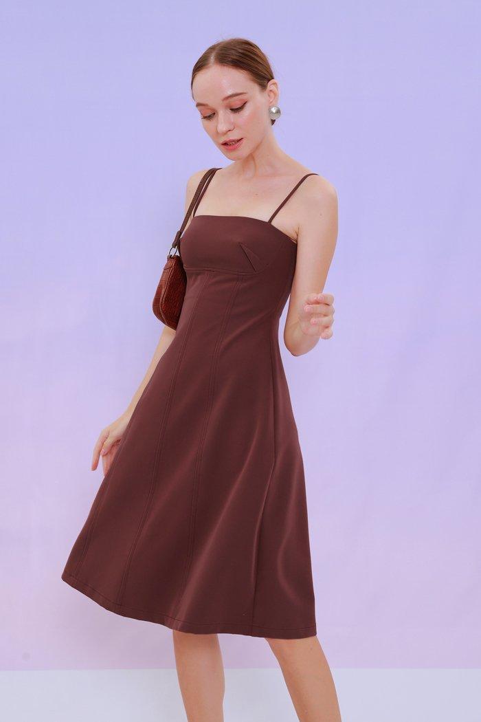 Đầm 2 dây midi nhấn ngực